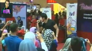Video Aliff Aziz - Sayang Sayang [Jelajah Tribute P.Ramlee] download MP3, 3GP, MP4, WEBM, AVI, FLV Juni 2018
