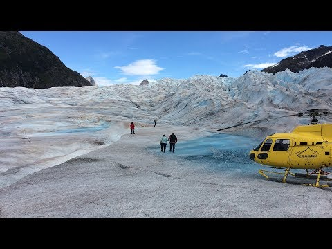 juneau-helicopter-tour-and-guided-icefield-walk