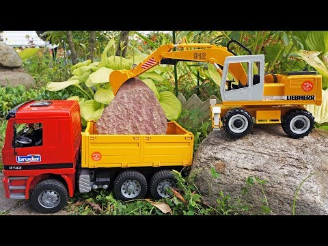 Toy truck & toy excavator 🚚 Toy truck videos with Bruder toys. Truck toys and excavator for kids