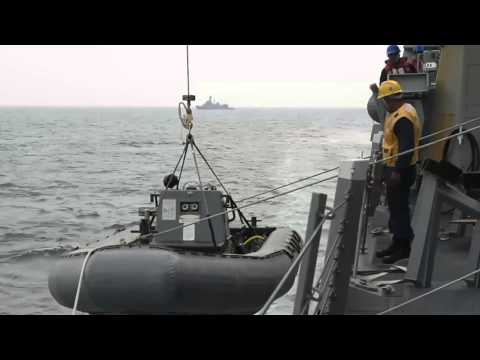 USS William P Lawrence conducts small boat ops
