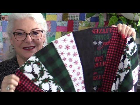 6 Fat Quarter Christmas Tree Skirt