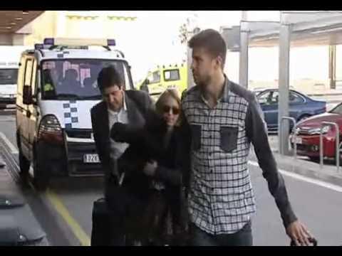 Pique y Shakira viajan juntos a Zurich para el Balon d'Or 2011