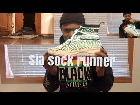 Sia Collective sock runner + on feet