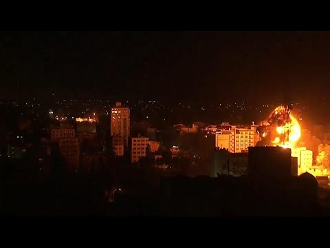 الجيش الإسرائيلي  يقصف غزة ردا على سقوط صاروخ فلسطيني على منزل قرب تل أبيب…  - نشر قبل 7 دقيقة