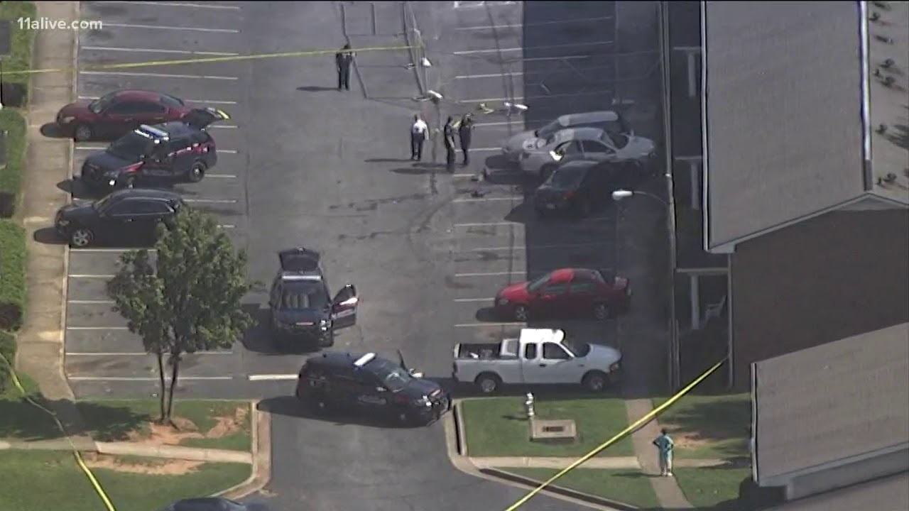 Shots fired during police case in Atlanta near Old Hapeville Road