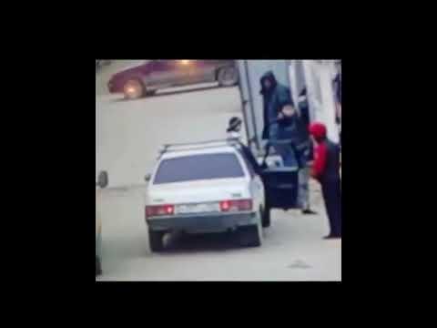 Сотрудник полиции в Дербенте избил подростка