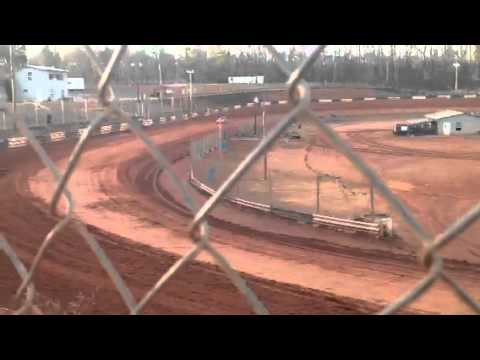 Cruz Skinner (12 year old) at West Georgia Speedway 2-15-14