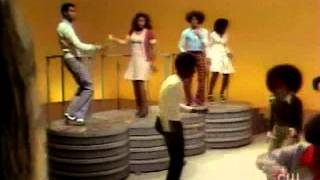 Soul Train Dancers (Barry White - Satin Soul) 1975