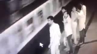 CCTV Footage : Borivali Station platform no.6 thumbnail
