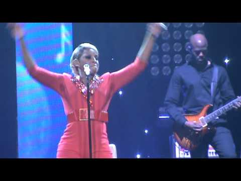 Mary J. Blige - Don't Mind / Live Concert in Chicago (Liberation tour) 9/13/2012