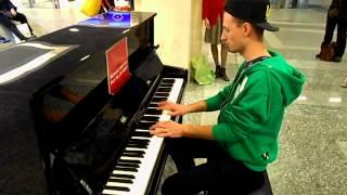 Honky Tonk Train Blues- Pianoforte Stazione Porta Nuova Torino