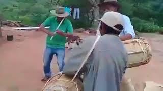 Video: Al ritmo del pin pin se preparan para enterrar al carnaval en el norte provincial