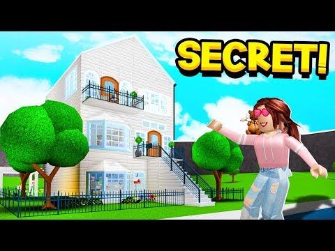 I FOUND MY GIRLFRIENDS *SECRET* BLOXBURG HOUSE!! (Roblox)