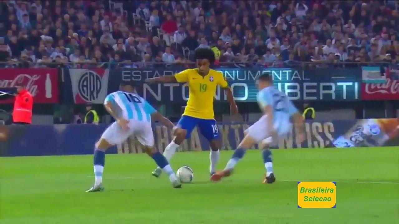 Willian Elastico Skill !! Against Argentina In 2015