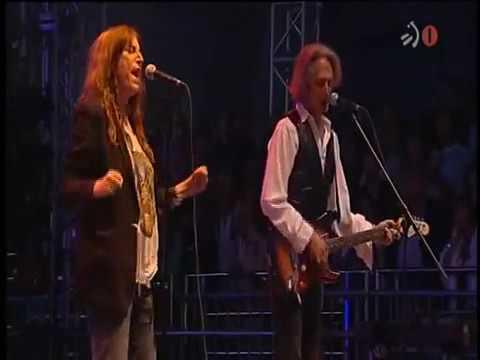 PATTI SMITH LIVE IN SPAIN 2010 (FULL CONCERT)