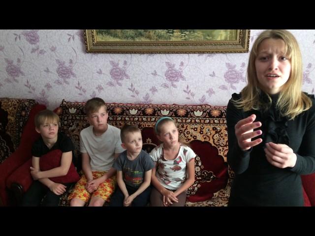 Изображение предпросмотра прочтения – ВикторияШилова читает произведение «Баллада о Матери» А.Д.Дементьевa