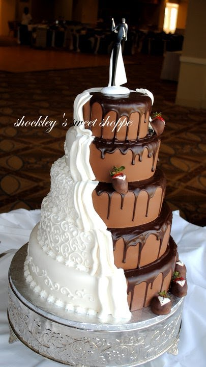 wedding cake groom and bride and grooms cake 22785