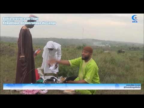 RD Congo : Destruction des instruments d'un féticheur repenti.