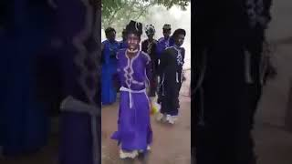 ‪Fulani men dancing