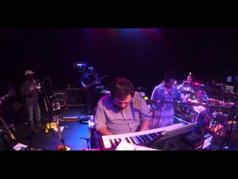 Mickey Hart Band- Playing In The Band (Live)