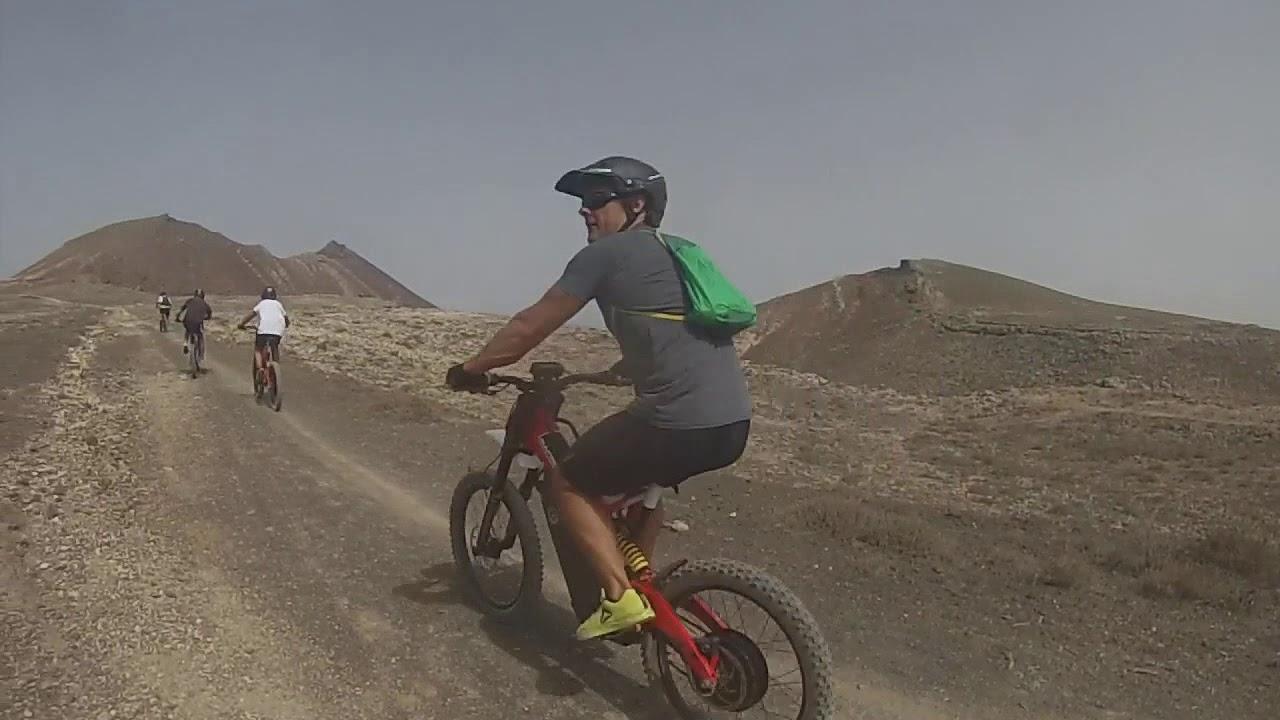 quinteus a lanzarote amb bici electrica bultaco