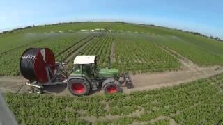 vido arienne irrigation  sainte marie kerke avec fendt favorit 514 c et fendt farmer 312