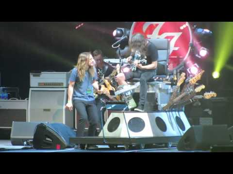 Foo Fighters & Jon Davison Yes singer  Tom Sawyer Rush cover