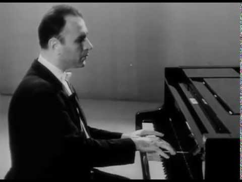 Naum Shtarkman plays Beethoven Moonlight Sonata no. 14 - video