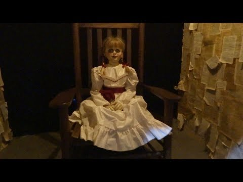 "NEW Horror movie costumes and props display at Warner Bros. ""IT"" / ""The Conjuring"" / ""Annabelle"""