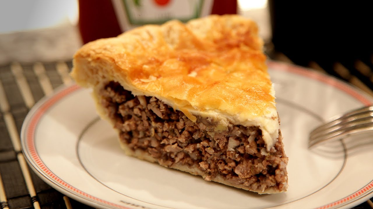 Tourtiere - BEST MEAT PIE ever! - YouTube