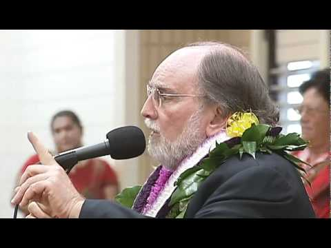 Governor Neil Abercrombie speaks in Waimea