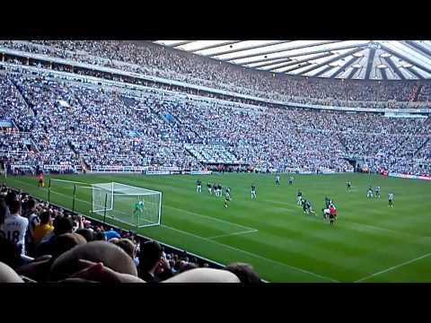 Newcastle vs. Tottenham. Ben Arfa's penalty 2-1