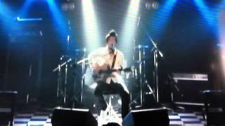 高校の時組んでいたバンドのメンバーとの話の歌です。 mixiやっています...