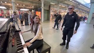 Boogie Woogie Queen Rocks The Public Piano