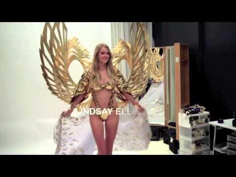 Видео: VICTORIAS SECRET FASHION SHOW 2014 FITTINGS GILDED ANGELS