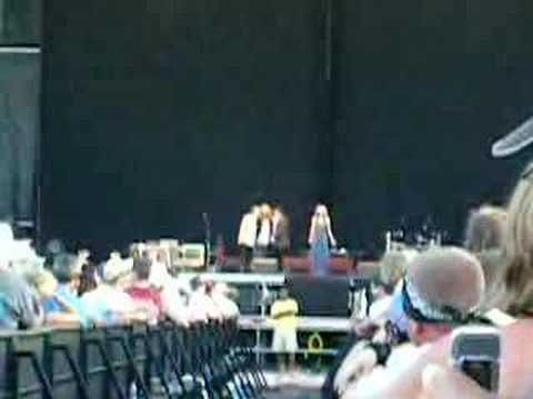 Robert Plant & Alis Krauss  Down to the River to Pray
