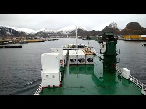 Ship, Vessel,  berthing/docking/mooring M/V Green Ice in Varoy Norway full length actual speed.
