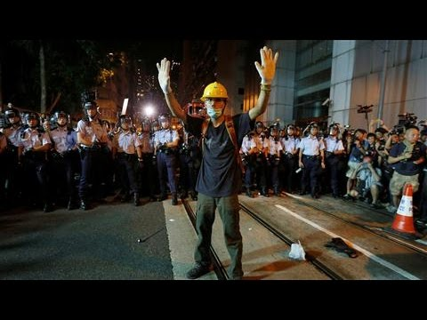 Hong Kong Protests Beijing Intervention in Swearing-In Dispute