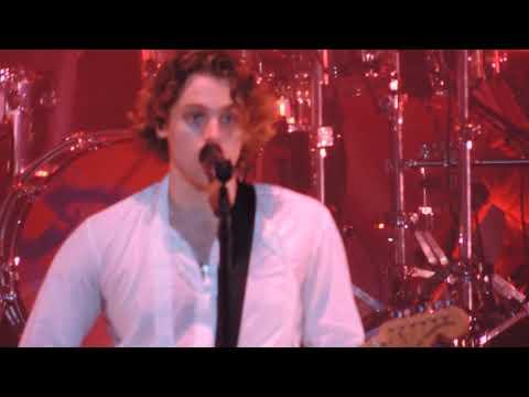 5SOS - Valentine Live + Intro - Holmdel NJ, 9/14/18