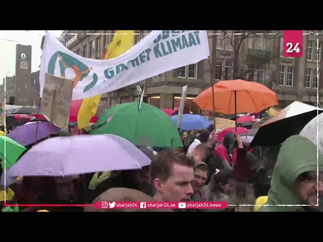 Thousands march against climate change in Amsterdam