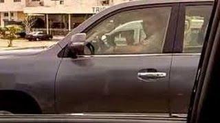 Le Roi du Maroc Mohamed 6 au volant de sa voiture -  ملك المغرب محمد 6 يقود سيارته
