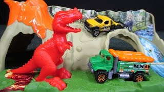 Matchbox Mission: Dino Raiders Dinosaur Diorama Play Set Big Head Little Arms