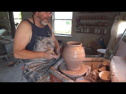 Throwing a 7lb jar - July 12, 2017 with Simon Leach