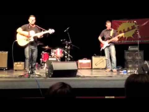 'Falling Out' Live - Rob Dawson