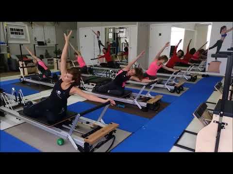 Pilates reformer 2 funnydog tv for Gimnasio jump lugo