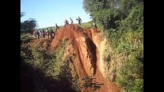 trilha-de-moto-morro-do-desafio-1-encontro-de-trilheiros-os-porco-sorto-em-carlos-do-iva