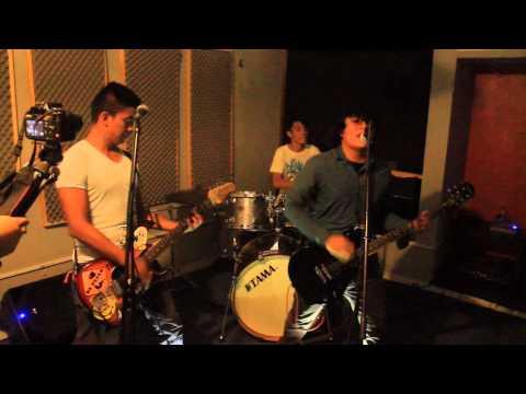 El punk rock estará aqui - Dumb And Dumber En Estudio Alpha