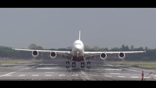 Boeing 747 vs Airbus a380 Head on view take off World two biggest passengers jets