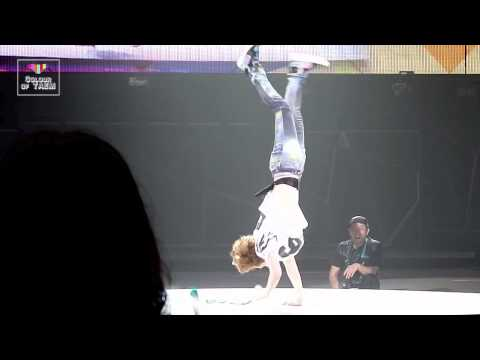 140601 SHINee World III in Shanghai Onew dance solo 321