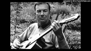 Watch Pete Seeger John Henry video